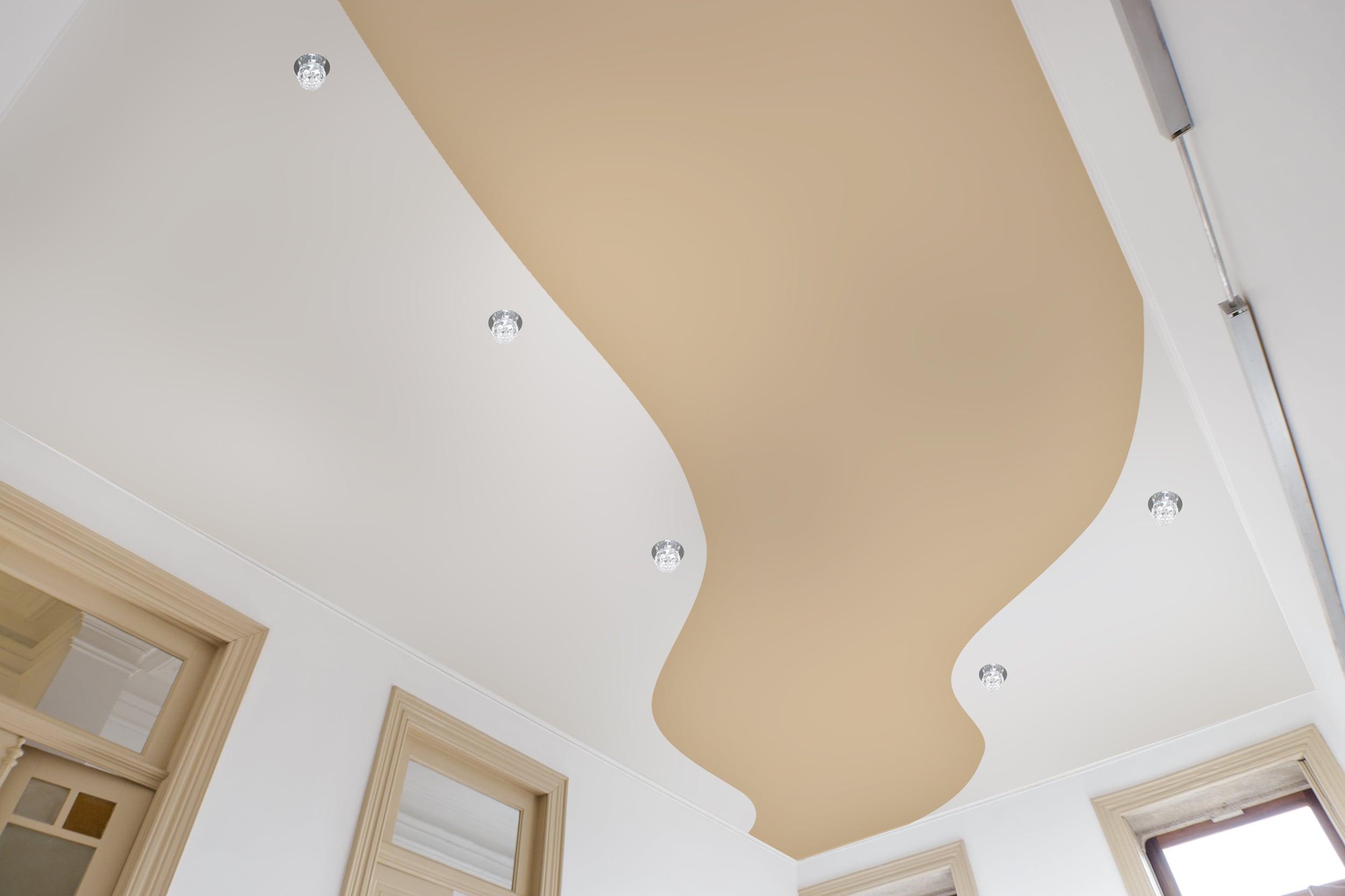Криволинейная спайка натяжных потолков
