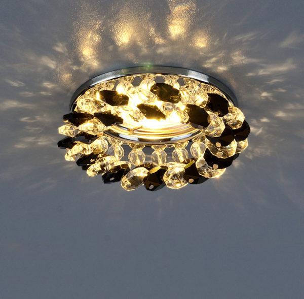 22984a6a654f4818e2da6e1336cb16d7 600x589 - встр. точечный светильник Elektrostandard 206 хром/черный/прозр.