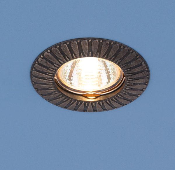 3e0231265123b9ea393a186acd932cd7 600x583 - встр. точечный светильник Elektrostandard 7203 бронза