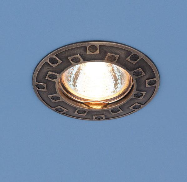 406d8a742c73c46b676ee2e6e2341c2f 600x583 - встр. точечный светильник Elektrostandard 7202 бронза